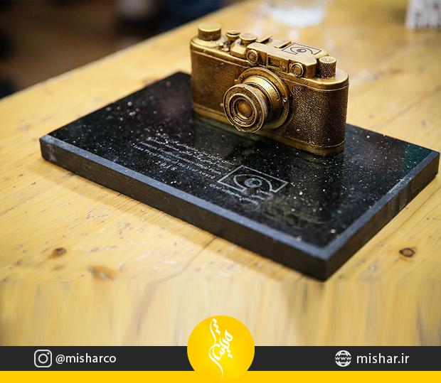 ساخت تندیس دوربین دومین اهدای نشان عکس مطبوعاتی سال
